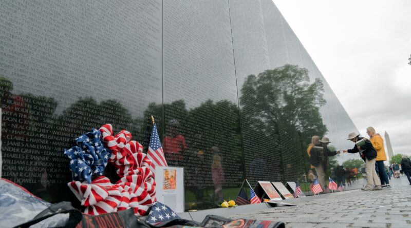 biden-to-pay-tribute-to-nation's-war-dead-on-memorial-day-–-voice-of-america
