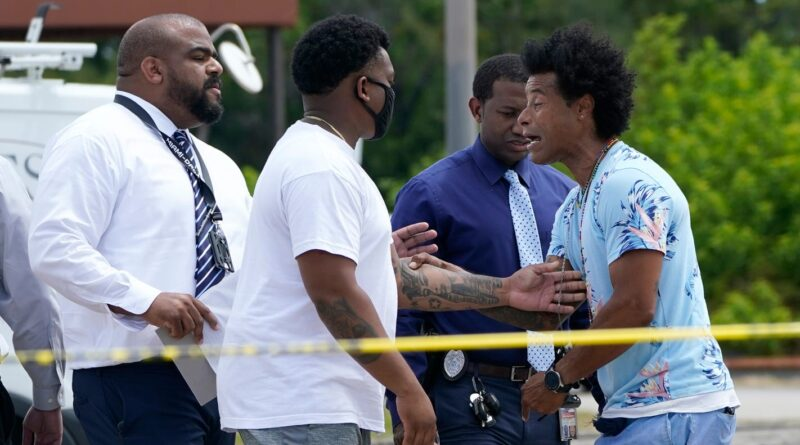 'cowardly-act':-two-dead,-more-than-20-injured-in-miami-area-shooting;-$125,000-reward-offered-for-help-in-finding-killers-–-usa-today