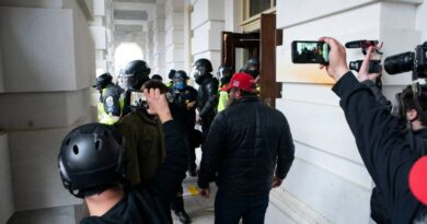 rioters-accused-of-erasing-content-from-social-media,-phones-–-miami-herald