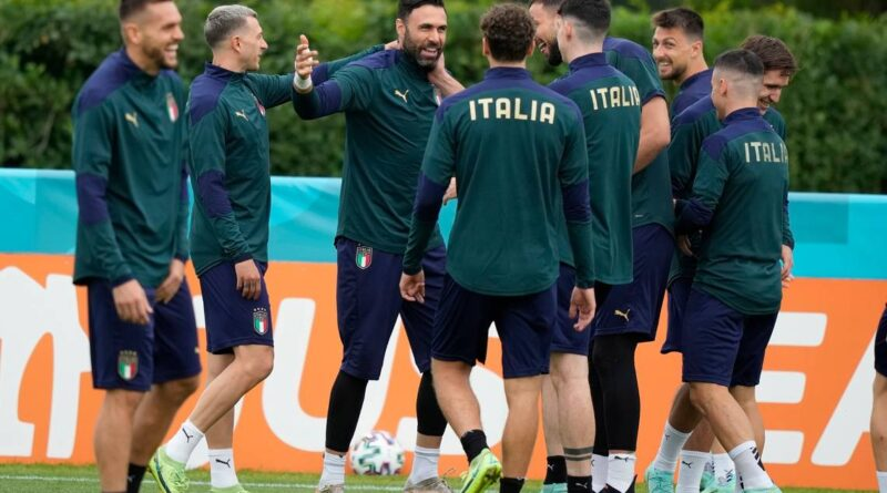 mancini-has-italy-smiling-again-after-the-team's-darkest-day-–-miami-herald