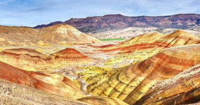 let's-talk-about-this-super-trippy-desert-in-the-middle-of-oregon-–-thrillist
