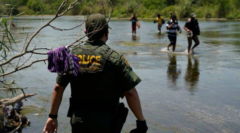 desantis-traveling-to-texas-mexico-border-with-entourage-of-florida-officials-–-miami-herald