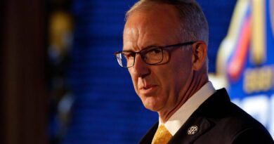 sankey-joins-call-for-change-in-college-athletics-oversight-–-miami-herald