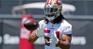 49ers-sign-middle-linebacker-fred-warner-to-5-year-extension-–-miami-herald