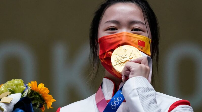 china's-yang-takes-first-gold-at-uneasy-tokyo-olympics-–-miami-herald