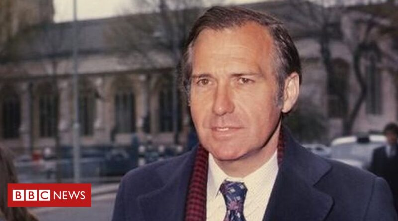 john-stonehouse:-bizarre-tale-of-the-mp-who-faked-his-own-death-–-bbc-news