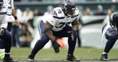 dolphins-place-fluker-on-injured-reserve;-the-details.-and-mckinney-addresses-pay-cut-–-miami-herald