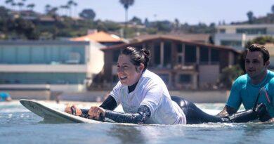 coronado's-quinn-waitley-is-a-usa-surfing-champion-–-coronado-eagle-and-journal