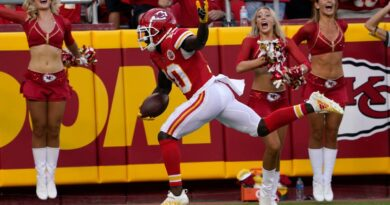 mahomes-sharp-as-chiefs-roll-to-28-25-victory-over-vikings-–-miami-herald