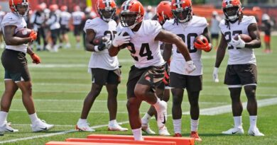 ap-source:-browns,-rb-nick-chubb-agree-to-3-year-extension-–-miami-herald