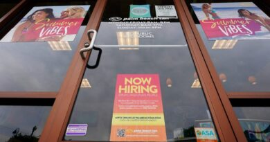 us-jobless-claims-near-pandemic-low-as-economy-strengthens-–-miami-herald