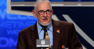 browns'-schafrath,-who-blocked-for-3-hall-of-famers,-dies-–-miami-herald