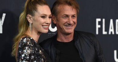 sean-penn,-with-daughter-dylan,-directs-again-in-'flag-day'-–-miami-herald