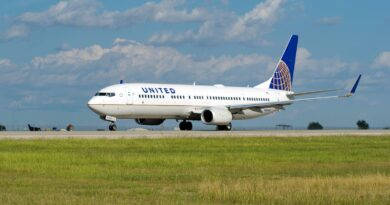 united-reminds-employees-on-how-not-to-restrain-unruly-passengers:-'tape-should-never-be-used'-–-usa-today
