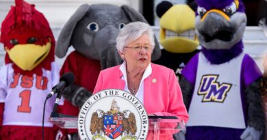 gov.-ivey-urges-alabama-football-fans-to-get-vaccinated-–-miami-herald