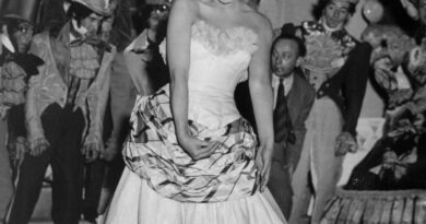 josephine-baker-is-1st-black-woman-given-paris-burial-honor-–-miami-herald