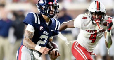 corral-throws-5-tds,-no.-20-ole-miss-beats-austin-peay-54-17-–-miami-herald