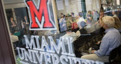 report-says-miami-university-'acted-appropriately'-on-sex-assault-claims-against-ex-blackhawks-coach-–-wbez
