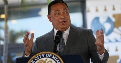 miami-police-chief-art-acevedo-is-suspended-after-a-rocky-six-month-tenure-–-npr
